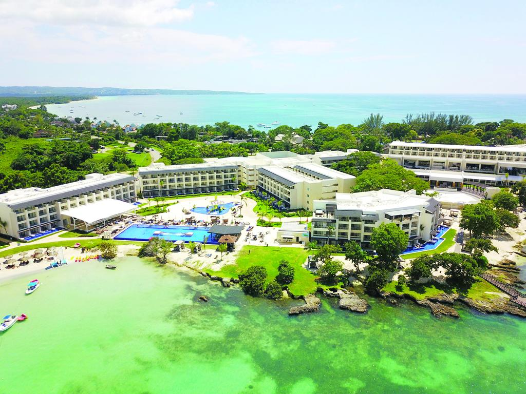 ROYALTON NEGRIL RESORT 5*
