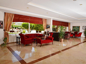ROYAL GARDEN SUITE 4*