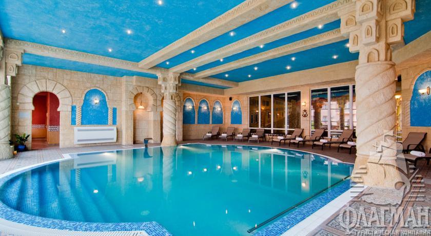 Клубный отель ривьера краснодарский край номер люкс семейный 4-местный 3-комнатный, фото 1